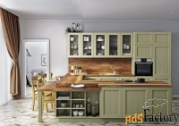 Кухонный гарнитур с фасадами из массива
