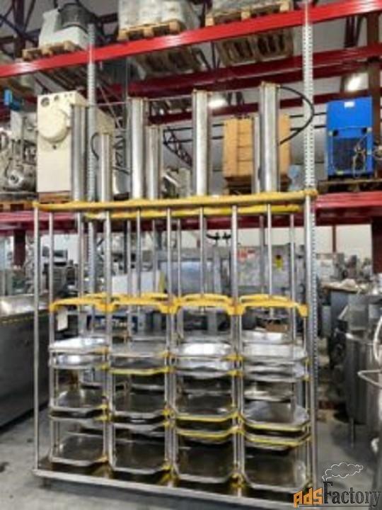 продается пресс для сыра вертикальный, 24 формы