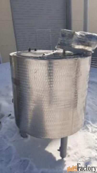 Продается Емкость нержавеющая (ВДП), объем — 0,63 куб.м.