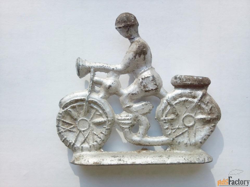 солдатик оловянный - солдат мотоциклист ссср.