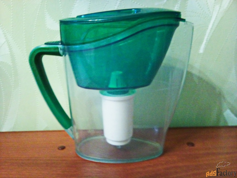 фильтр - кувшин для воды.