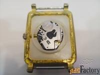 женские кварцевые часы спутник.