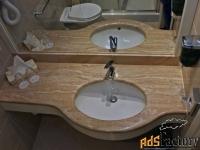 столешницы из натурального камня для ванных комнат в наличии