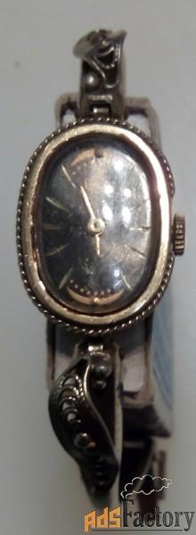 часы наручные механические женские луч в рабочем состоянии