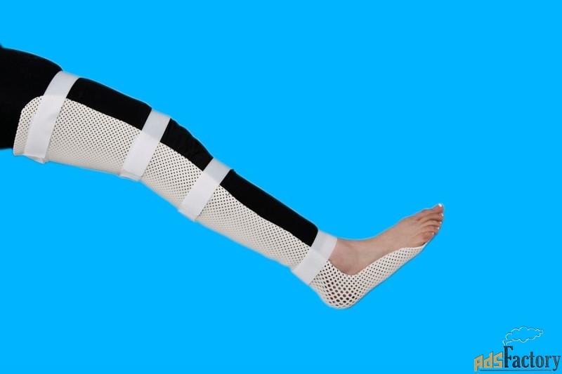 черно-зелеными пластиковый гипс на ногу фото изображение