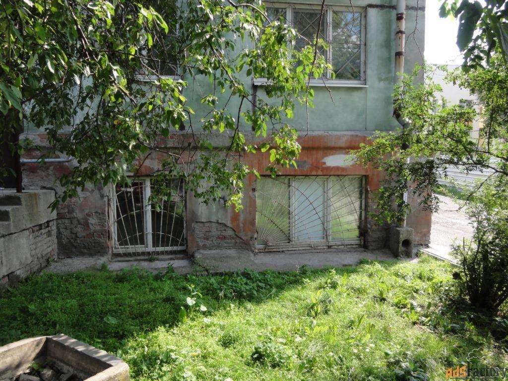 3 - комн.  квартира, 77 м², 1/5 эт.