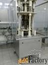 Закаточный автомат под винтовую водочную бутылку.