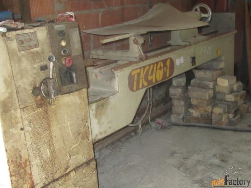 станок деревообрабатывающий токарный  тп-40-01