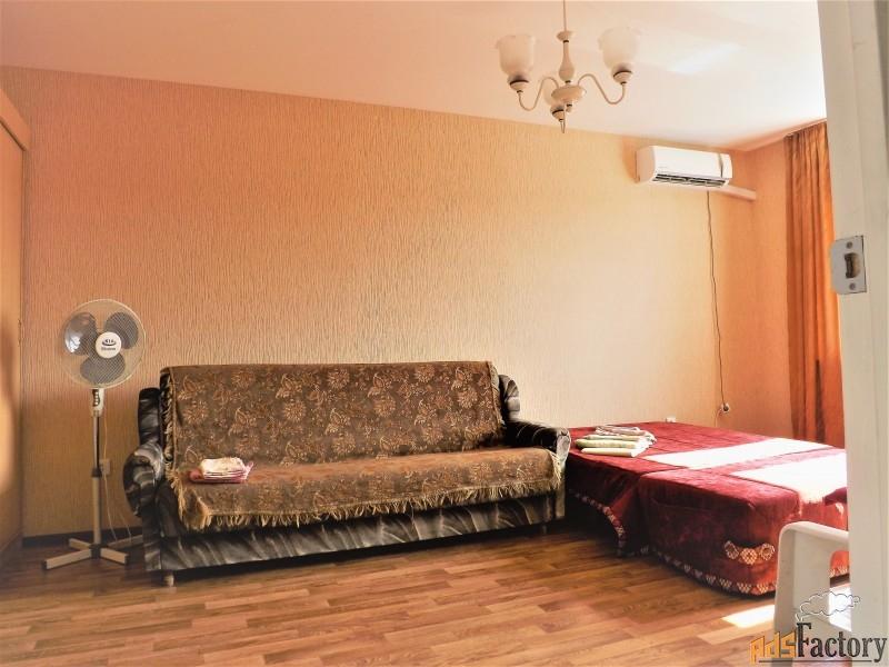 новую квартиру в новом доме посуточно на косе(алексино) без посред