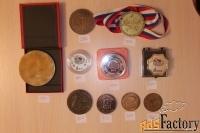 Продам настольные медали плакетки