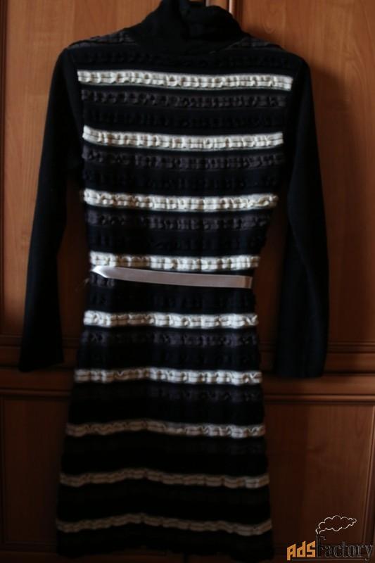 трикотажное платье. размер 44-46