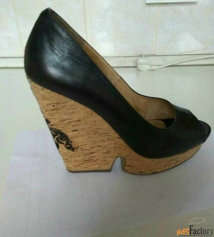 кожаные черные туфли basconi.