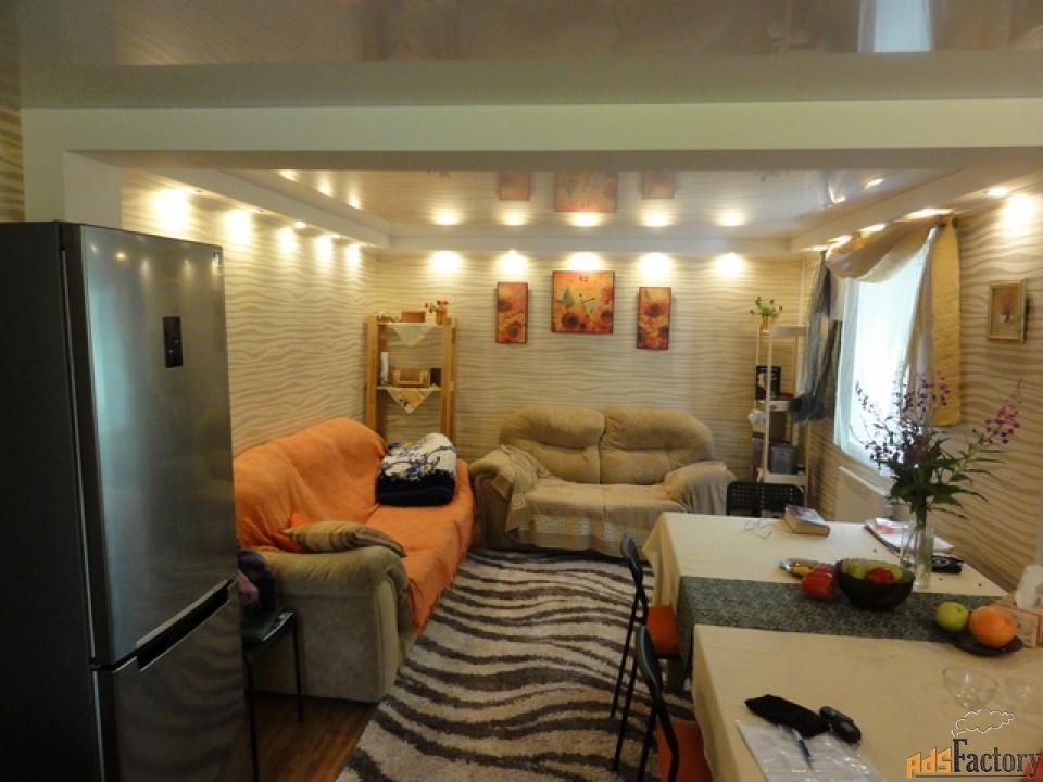 дом 256 м² на участке 5 сот.