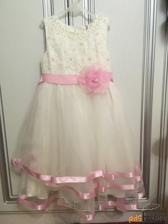 праздничное очень нарядное платье