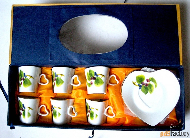 набор фарфоровых чашек с блюдцами для кофе на 6 персон