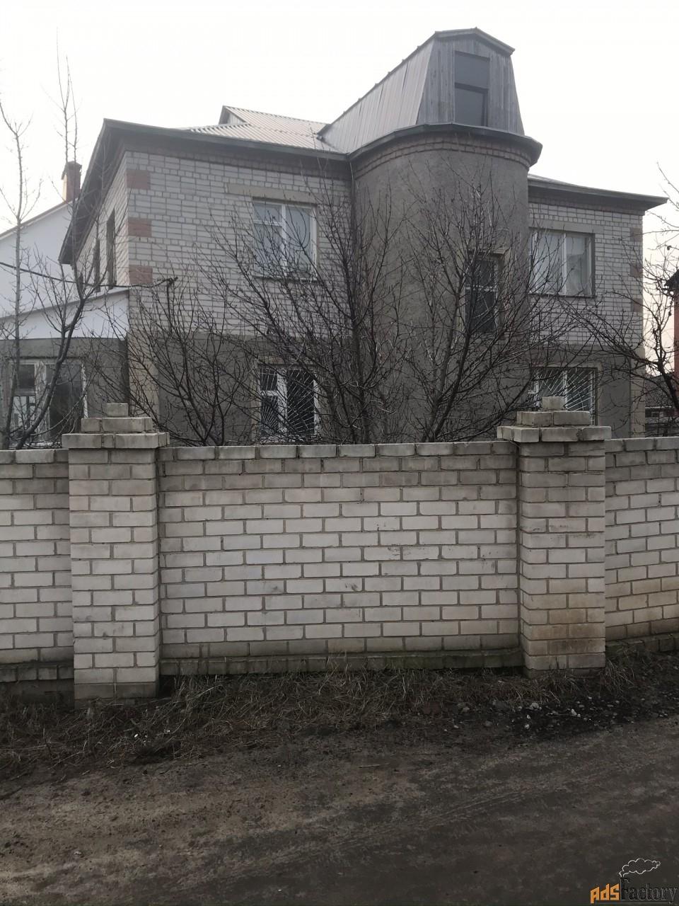 дом 300 м² на участке 6.6 сот.
