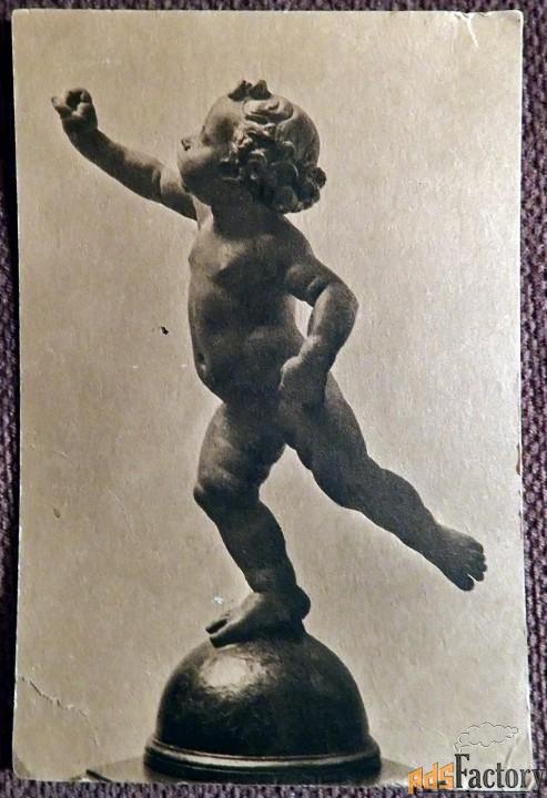 Антикварная открытка. Вероккио Путти на глобусе