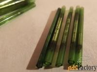 антикварный стеклярус. зеленое стекло (4 см)