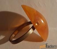 Перстень. Кольцо. Пластмасса под янтарь. СССР