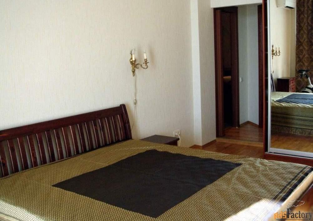 3 - комн.  квартира, 115 м², 3/16 эт.