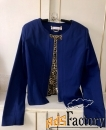 Жакет насыщенно синего цвета на молнии ,с длинным рукавом