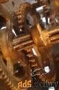 ремонтирую часы ,патефоны ,граммофоны и другие механизмы.
