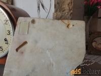 мраморная плита с фактом  присутствия другой цивилизации