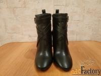 Продаю новую женскую обувь \Bottega Lotti\